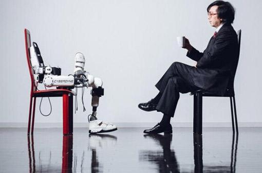 外骨骼机器人:左手医疗,右手工业